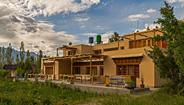 Nubra Ecolodge-dining-lounge1